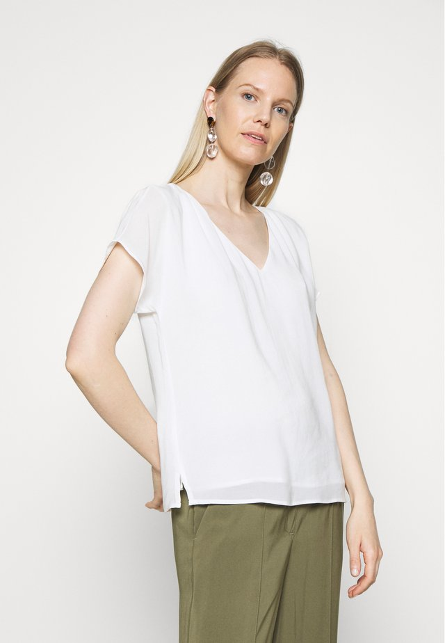 SOFT TOUCH - Blusa - off white