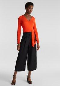 Esprit Collection - IN WICKEL-OPTIK - Long sleeved top - red orange - 3