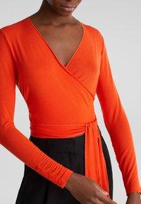 Esprit Collection - IN WICKEL-OPTIK - Long sleeved top - red orange - 4