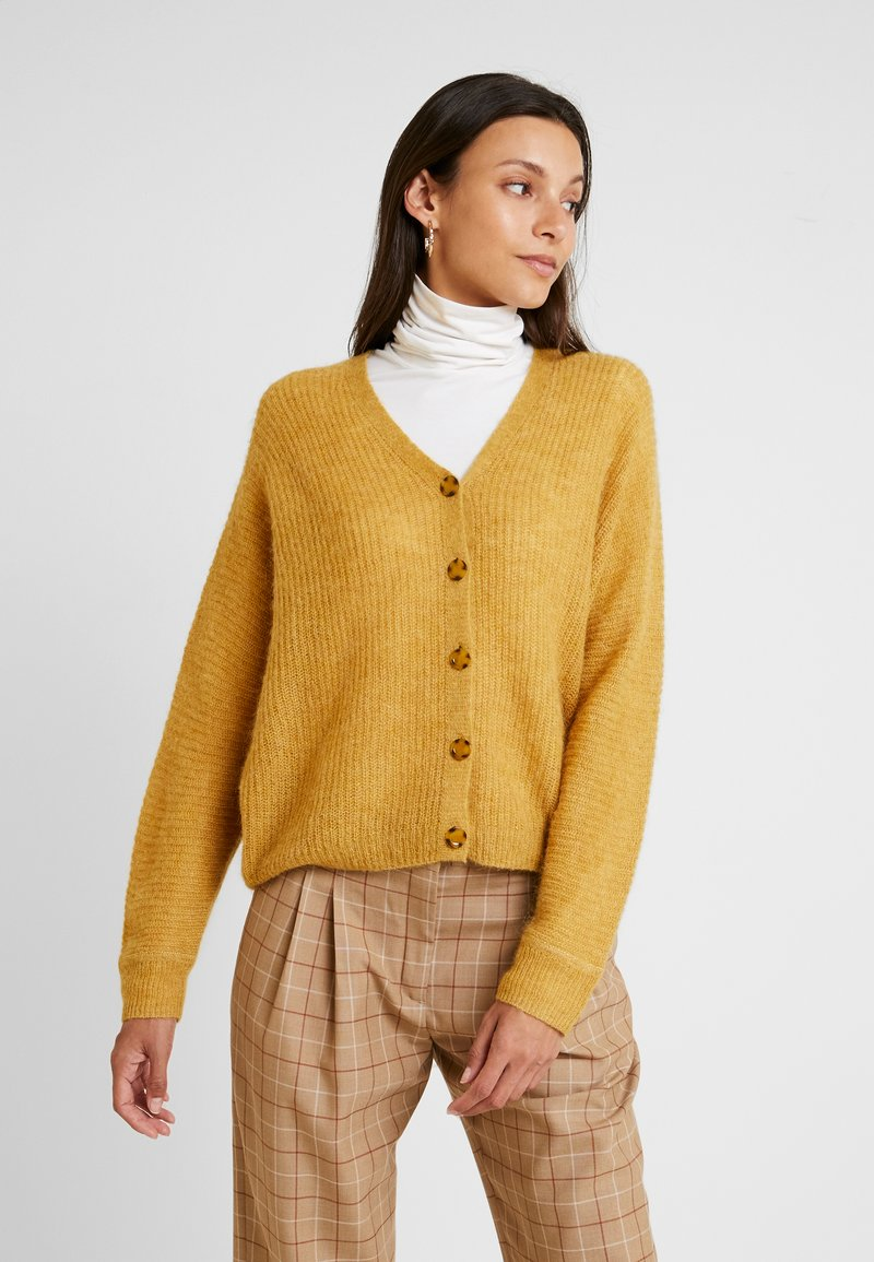 Esprit Collection - V-NECK - Cardigan - amber yellow