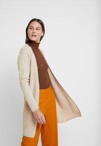 Esprit Collection - Neuletakki - beige - 3