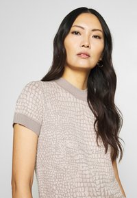 Esprit Collection - SNAKE - T-shirt z nadrukiem - nude - 3