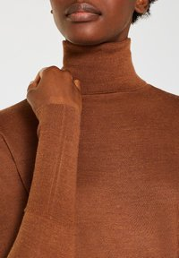 Esprit Collection - SKIN ROLL - Stickad tröja - light brown - 4