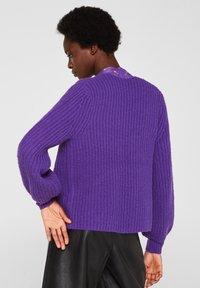 Esprit Collection - MIT BALLON-ÄRMELN - Gilet - purple - 2
