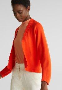 Esprit Collection - BOLERO W LACE - Gilet - red orange - 3