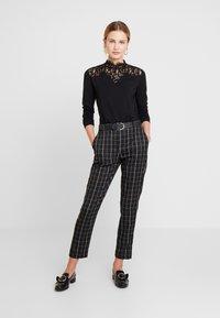 Esprit Collection - NECK  - T-shirt à manches longues - black - 1