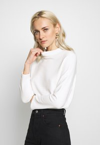 Esprit Collection - SHOULDER TEE - Sweter - white - 0