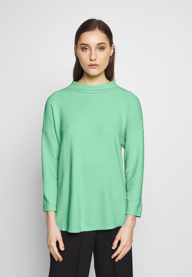 SHOULDER TEE - Sweter - light green