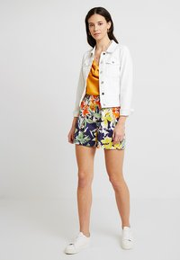 Esprit Collection - PLEATED - Shorts - navy - 1