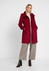 Esprit Collection - FEMININE COAT - Manteau classique - dark red - 1