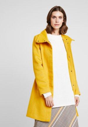 FEMININE COAT - Manteau classique - amber yellow