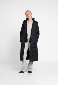 Esprit Collection - 2IN1 PUFFERCOAT - Kåpe / frakk - black - 1