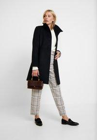 Esprit Collection - FEMININE COAT - Abrigo corto - black - 1