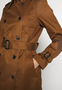 Esprit Collection - CLASSIC TRENCH - Trenchcoat - toffee - 5