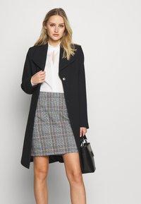 Esprit Collection - PLAIN COAT - Zimní kabát - black - 3