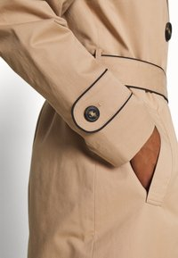 Esprit Collection - FEMININE COAT - Trench - beige - 5