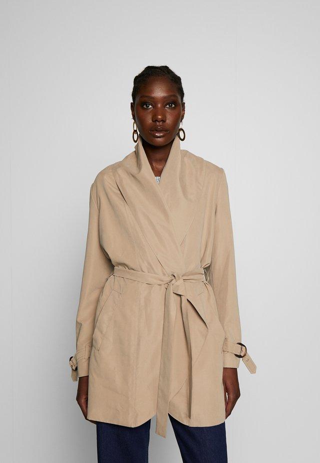 FEMININE COAT - Short coat - beige