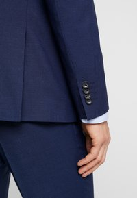 Esprit Collection - TONE BIRDSEYE - Completo - blue - 10