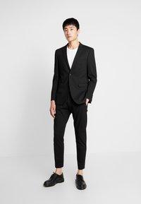 Esprit Collection - COMFORT SUIT - Completo - black - 0