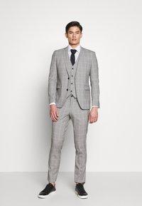 Esprit Collection - PRINCE CHECK - Suit waistcoat - light grey - 1