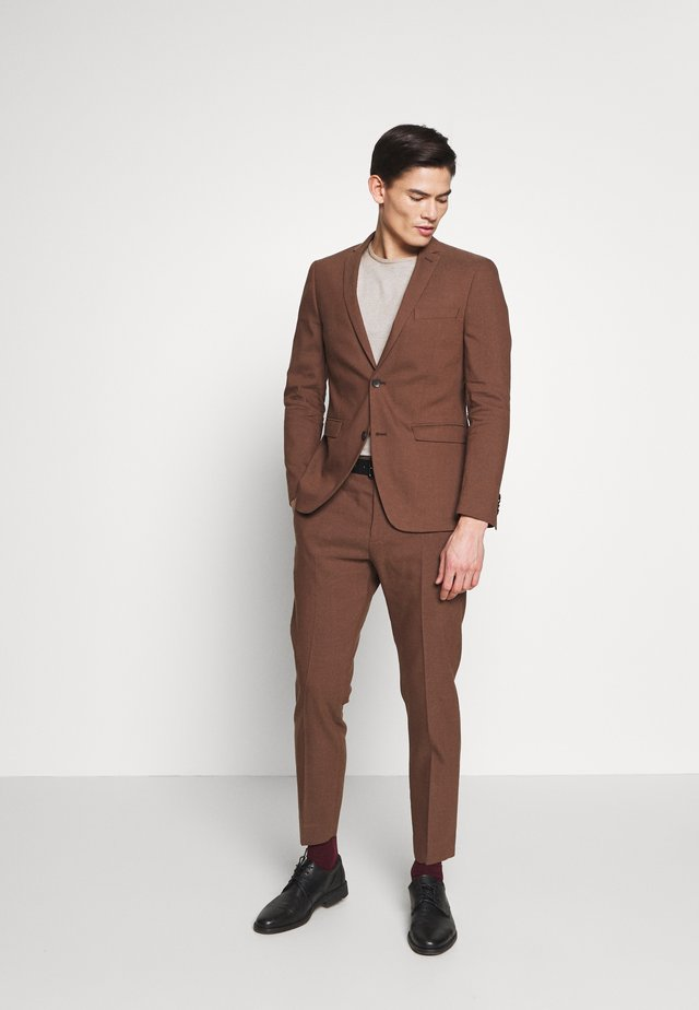 MATTE MIX - Suit - brown