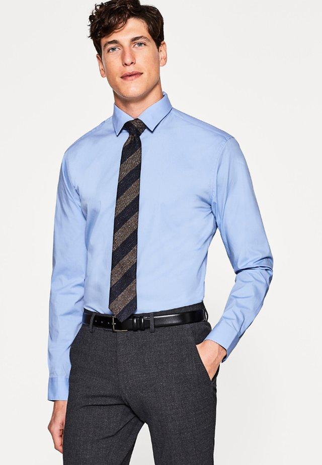 SOLID - Camisa elegante - light blue