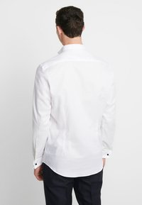 Esprit Collection - SMOKING SLIM FIT - Camisa elegante - white - 2