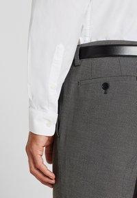 Esprit Collection - MIT MECHANISCHEM STRETCH - Zakelijk overhemd - white - 3