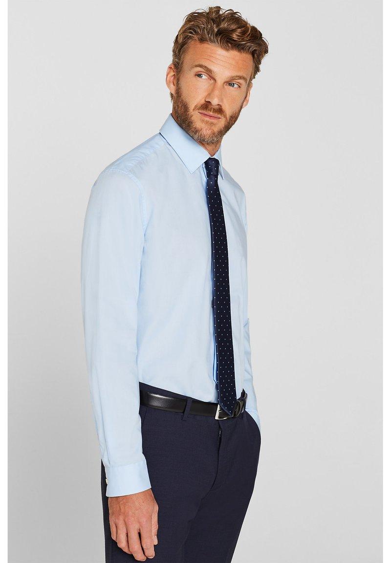 Esprit Collection - MIT MECHANISCHEM STRETCH - Zakelijk overhemd - light blue