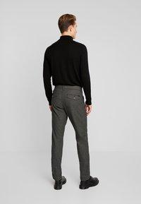 Esprit Collection - Pantalon classique - grey - 2