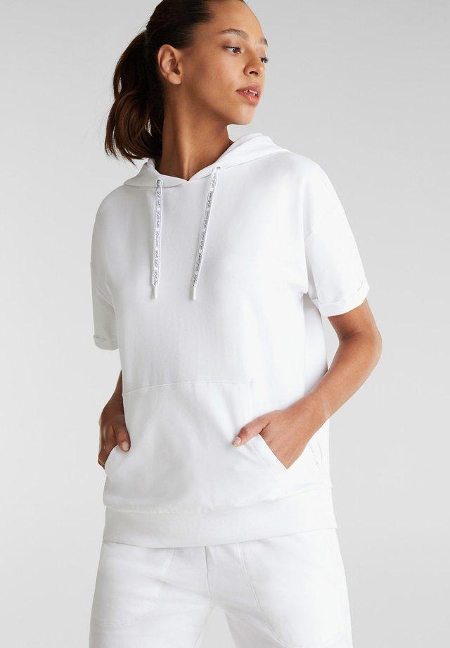 MIT STRETCHKOMFORT - Print T-shirt - white