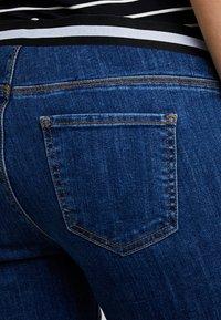Esprit Maternity - PANTS - Vaqueros slim fit - medium wash - 3