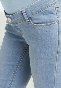 Esprit Maternity - PANTS SLIM - Slim fit jeans - lightwash - 3