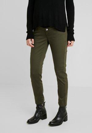 PANTS SLIM 7/8 - Kalhoty - khaki green