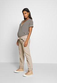 Esprit Maternity - PANTS - Spodnie materiałowe - beige - 1