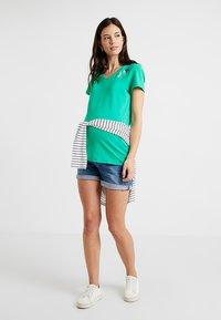 Esprit Maternity - T-shirt print - emerald green - 1