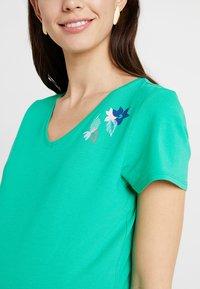 Esprit Maternity - T-shirt print - emerald green - 4