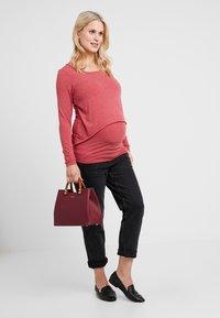 Esprit Maternity - NURSING - Langærmede T-shirts - red - 1