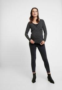 Esprit Maternity - NURSING - Langærmede T-shirts - black - 1