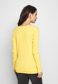 Esprit Maternity - Langarmshirt - dusty yellow - 2