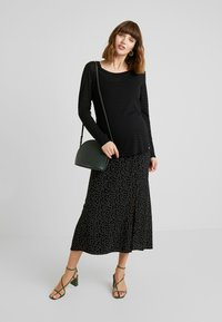 Esprit Maternity - NURSING - T-shirt à manches longues - black - 1