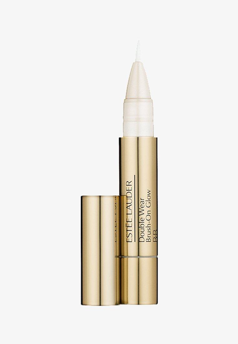 Estée Lauder - DOUBLE WEAR BRUSH-ON GLOW BB HIGHLIGHTER 2,2ML - Highlighter - 3C medium (cool)