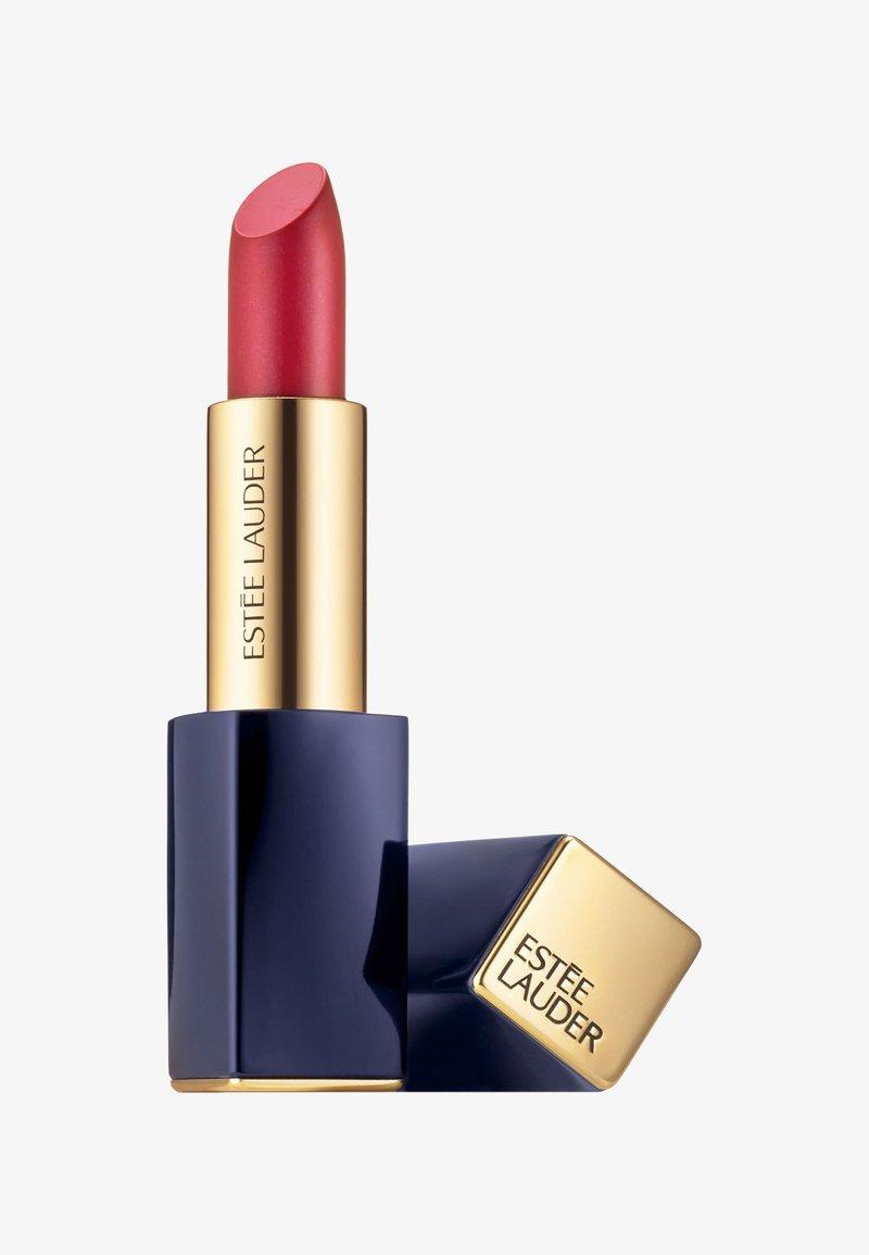 Estée Lauder - PURE COLOR ENVY HI LUSTRE LIPSTICK - Lipstick - 410 power mode