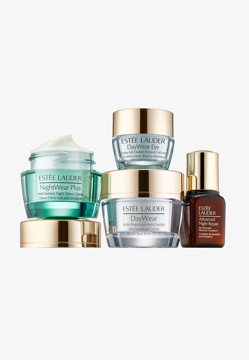 Estée Lauder - DAYWEAR STARTERSET - Skincare set - -