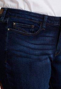 Esprit Curves - CAPRI PANTS - Jeans Slim Fit - blue dark wash - 4