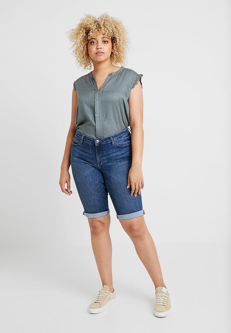 Esprit Curves - Jeans Shorts - blue medium wash