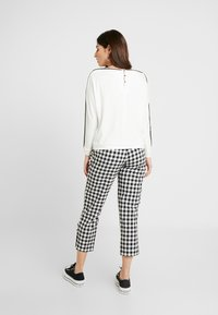 Esprit Collection Petite - PIPING TEE - Long sleeved top - off white - 2