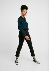 Esprit Petite - Straight leg jeans - black dark wash - 0