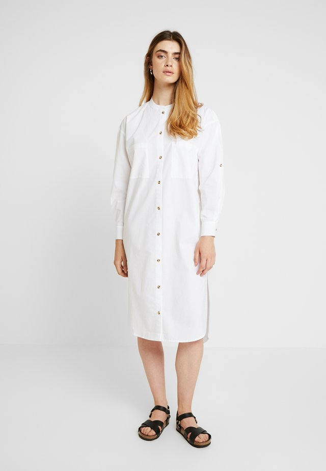 INGE DRESS - Blusenkleid - white