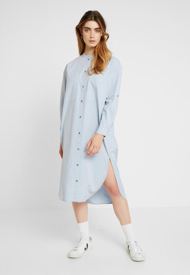 INGE DRESS - Blusenkleid - blue fog